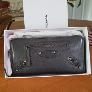 Authentic balenciaga zippy wallet